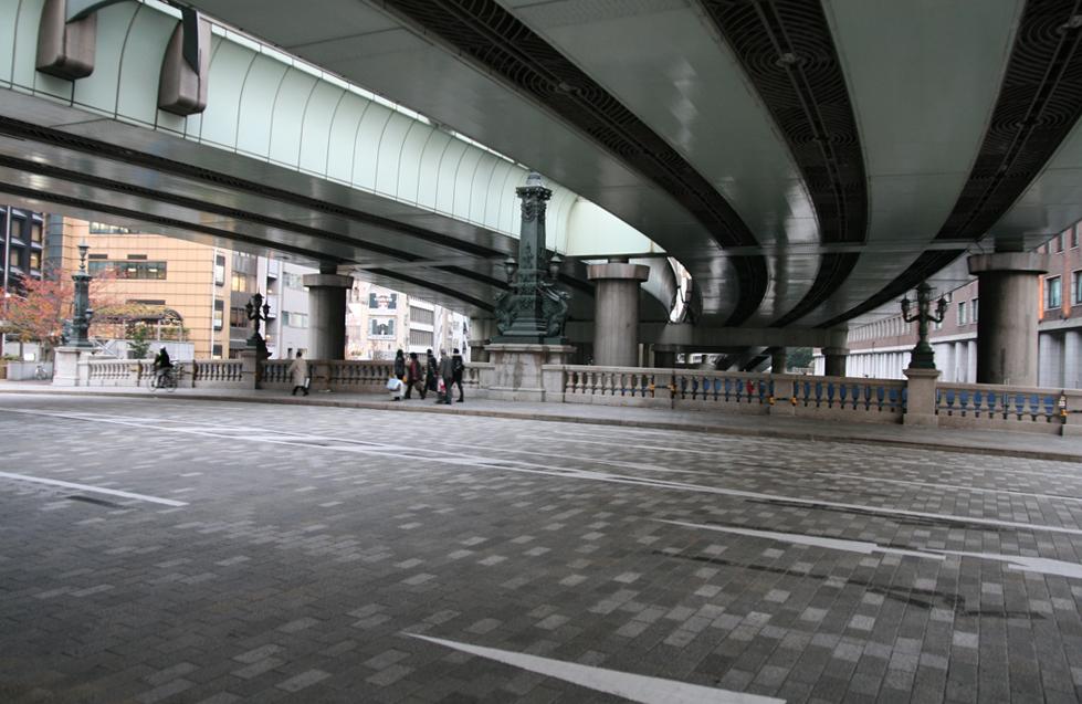 Tokyo Expressway above Nihonbashi bridge